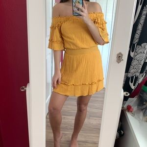 verge girl yellow off the shoulder dress 🌞